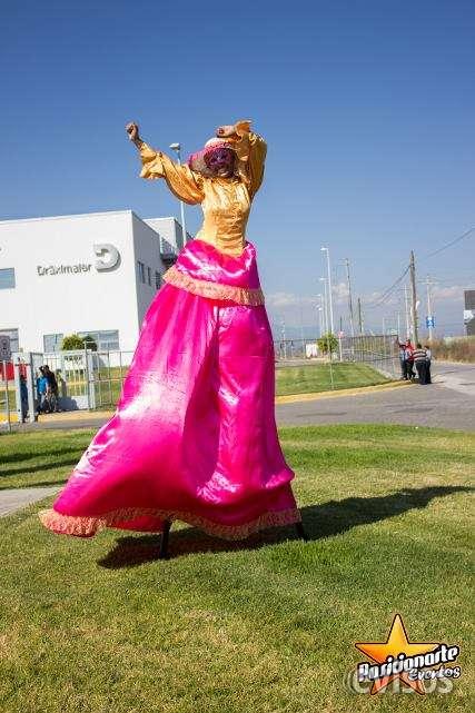 Zanqueros, show de zancos para eventos y fiestas