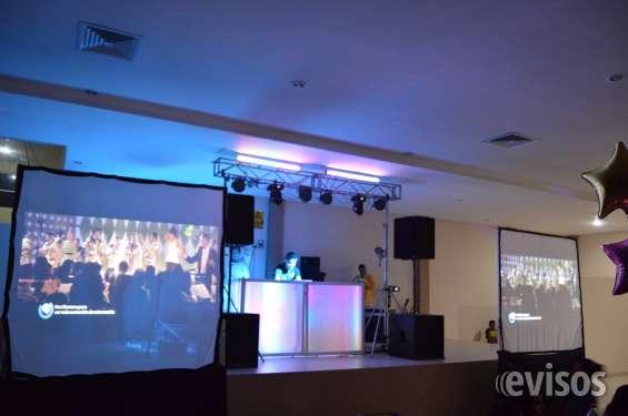 Dj, audio e iluminación: show para graduaciones