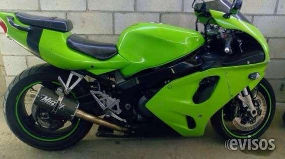 Kawasaki zx7r modelo 00