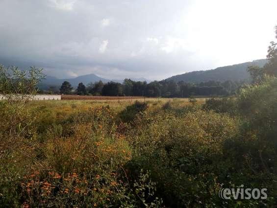 Terreno plano con vista a las montañas en acatitlán