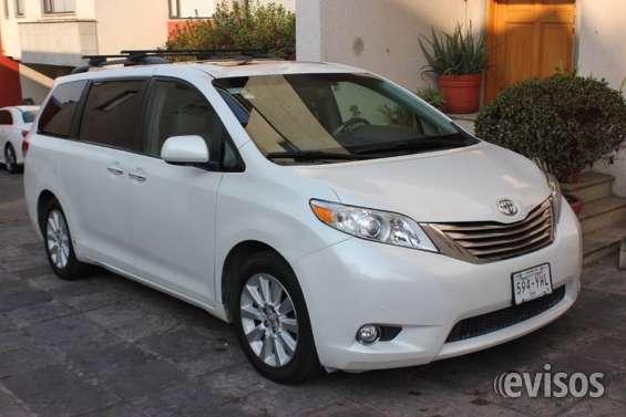 Toyota sienna 2014 .