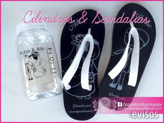 Sandalias y termos para boda