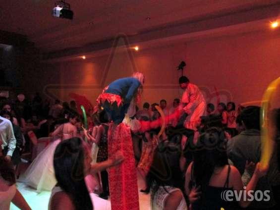Zanqueros, show de zancos para bodas, eventos y fiestas, zanqueros en puebla