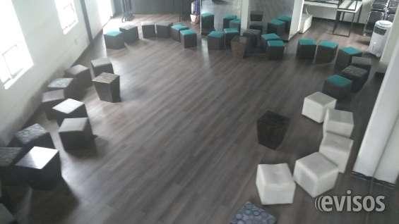 Bonitos salones y jardín con capacidad de hasta 100 personas.