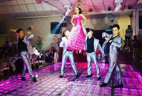 Las mejores coreografias para xv años,bailarines-chambelanes