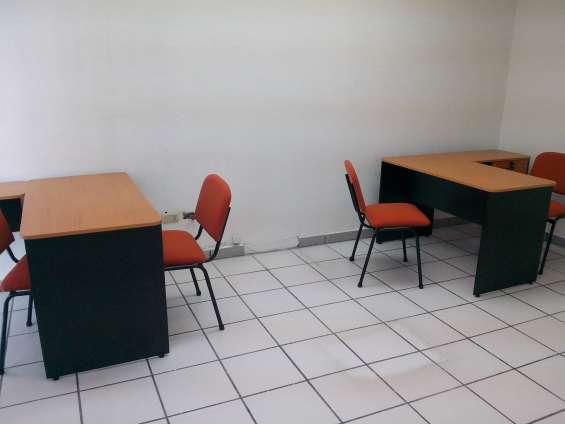 Oficina ejecutiva amplia