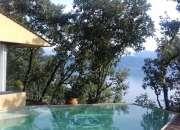 Casa en fraccionamiento izar con vista al lago, alberca y jacuzzi