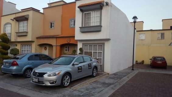 Casa en privada, con excelentes acabados, vigilancia y acceso controlado