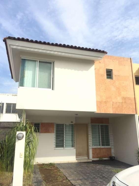 Casa en venta por real de valdepeña en zapopan