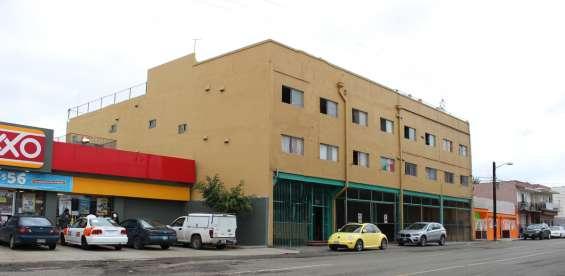 Edificio uso mixto en zona centro