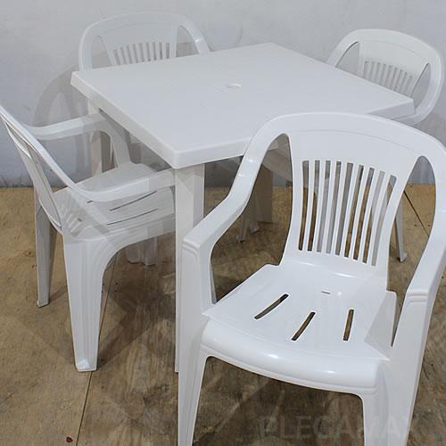 Sillas y mesas blancas - plegamax