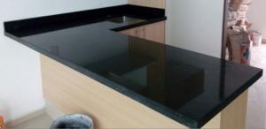 Cubiertas de granito negro san gabriel para cocinas