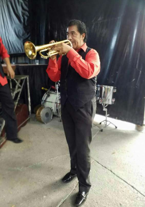 Grupo musical c.mor. relámpago y orquesta latina