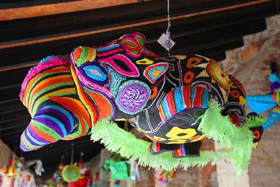 Curso de piñata artistica pintadas