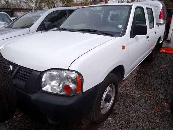 Nissan np300 2013 color blanca