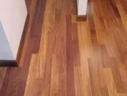 Piso madera duela chechen elegante
