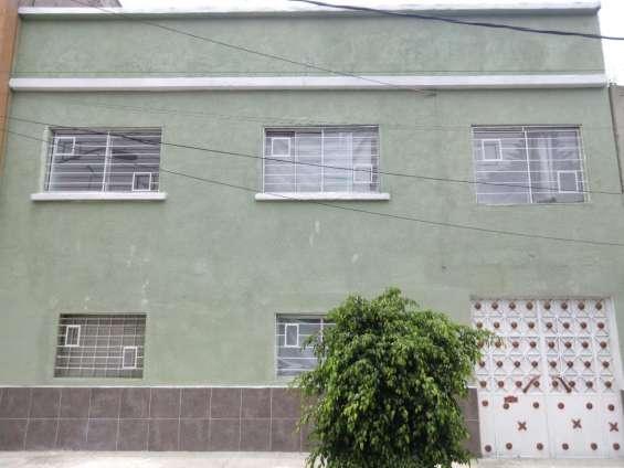Hermosa casa muy cerca del aeropuerto col. 20 de noviembre
