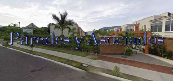 V-405 villa en palma sol ixtapa, dos cuadras zona hotelera