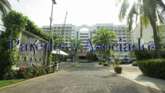 V-414 hotel tesoro excelente villa de 3 recamaras frente al mar con playa