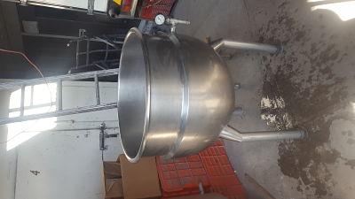 Marmita fija (seminueva) se conecta a vapor. 200 lts. $35,000.00