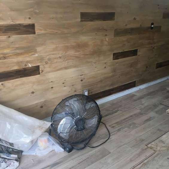 Excelente piso de madera bonito y para uso rudo