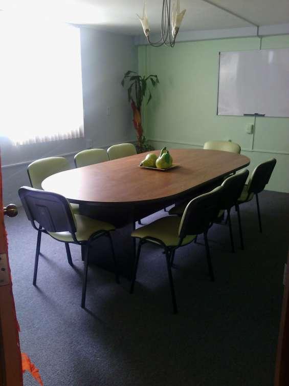 Sala de juntas en renta con todos los servicios