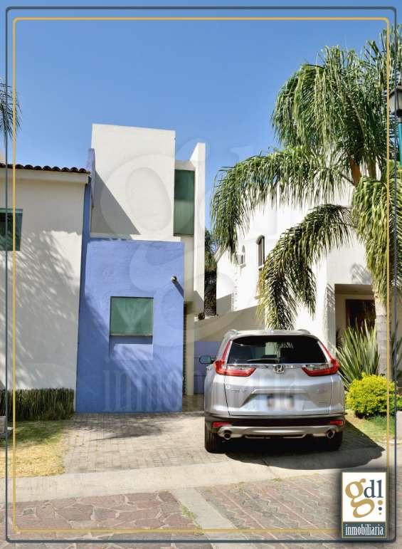 Casa en fraccionamiento nueva galicia $10,000.