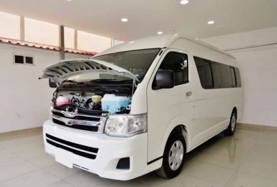 Impecable toyota hiace 2014