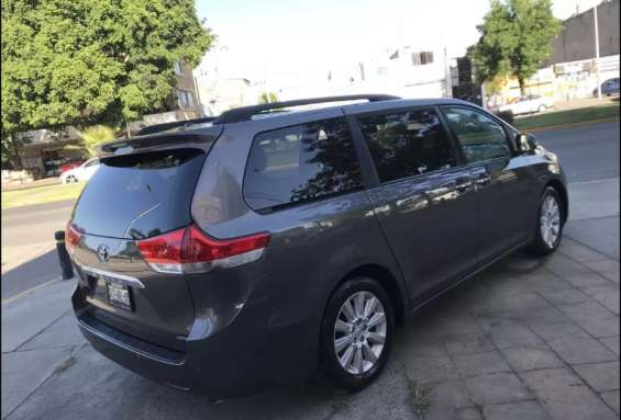 Toyota sienna 8 pasajeros