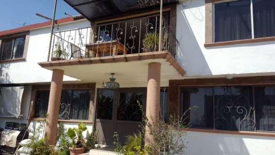 Casa muy bien ubicada en priv. pegado a la casa de cultura 2 min. de la av. principal