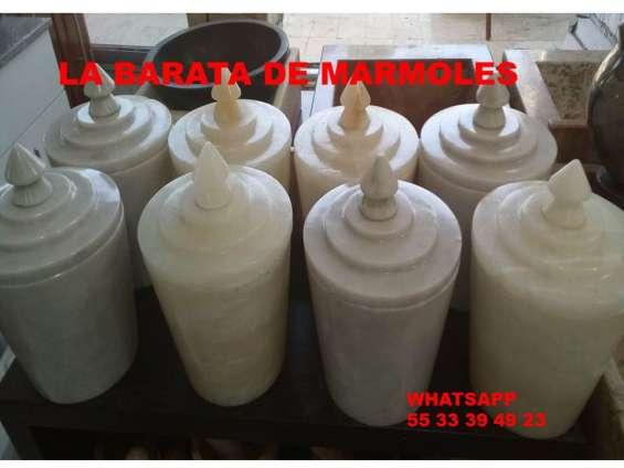 Urnas en onix y marmol a $ 950.00