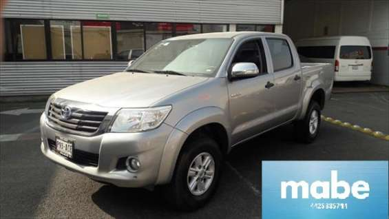Toyota hilux s.r 2014