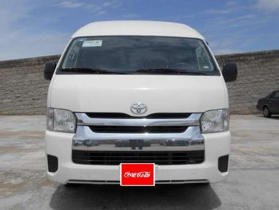 Toyota hiace pasajeros año 2014
