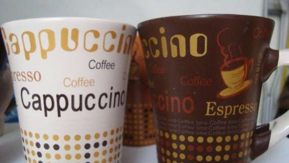 Vendo 6 tazas con cucharas con motivos relacionados al café
