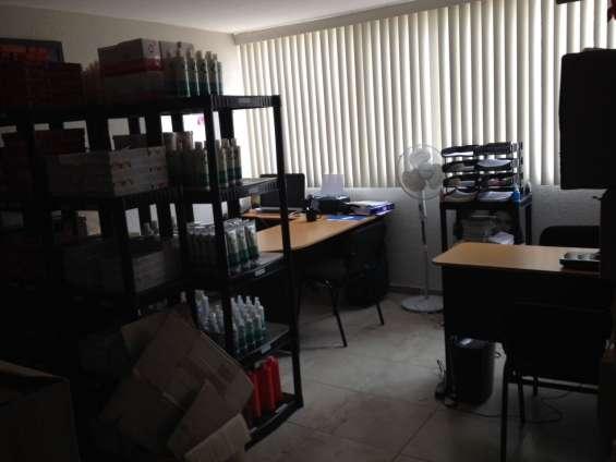 Renta tu propia oficina amueblada