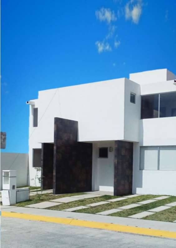 Se vende casa nueva a 10 min del tow center