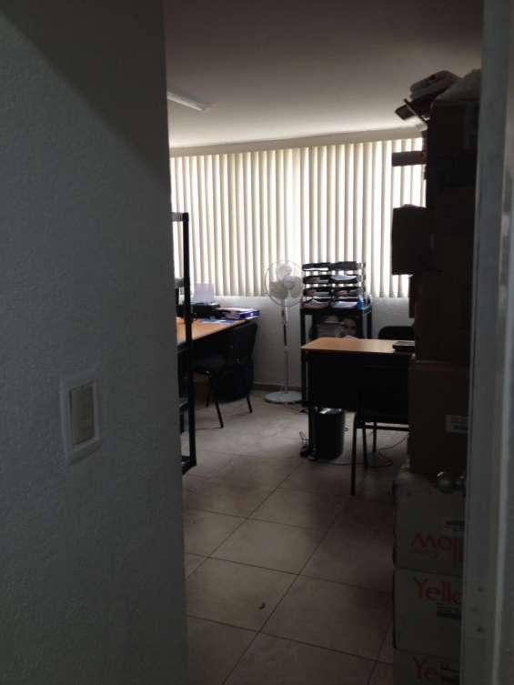 Oficina amueblada disponible en lanister