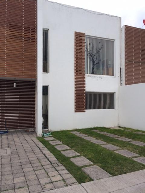 Casa dos plantas 2 recamaras con opcion a 3ra en privada $2'300,000.00