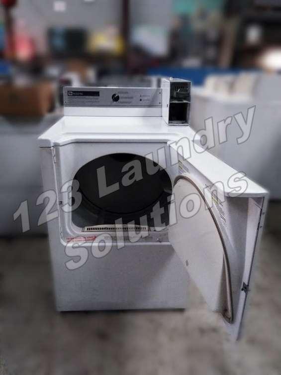 Maytag secadora comercial 120v 60hz, 6 amperios mdg16csbww usada