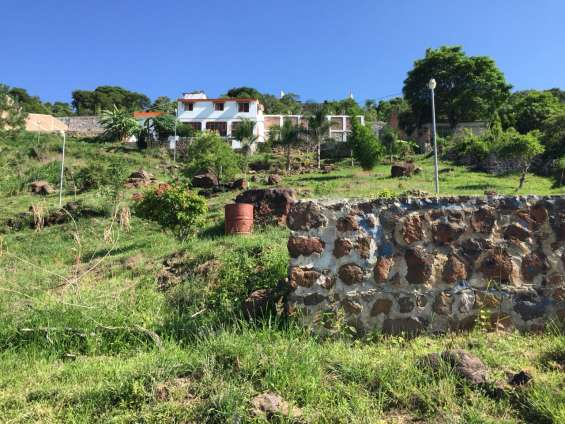 Casa con terreno en venta, balcones de la calera, tlajomulco