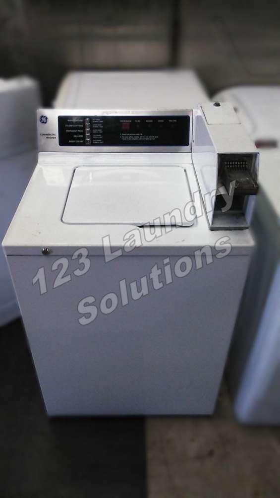 Ge lavadora de carga superior wccn2050f0wc 120v 60hz 10.0 amps usada