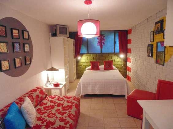 Hospedaje por semana en suites con servicios incluidos