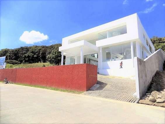 Residencia de lujo con 5 recamaras en frac. ayamonte