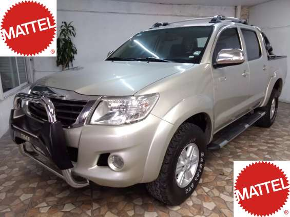 Toyota hilux 4x4 sport vehículo remate