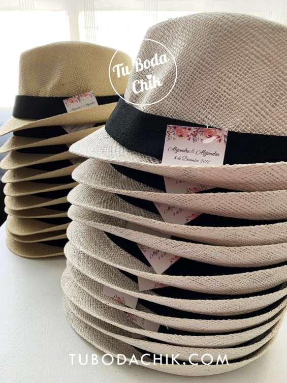 Sombreros para boda en la playa