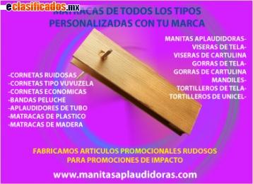 Matracas de madera publicitarias