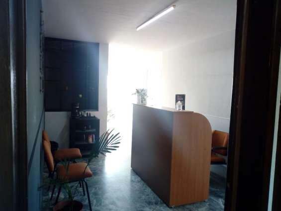Adquiere tu oficina amueblada en excelente ubicacion