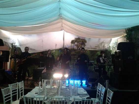 Grupo musical passion y fuego