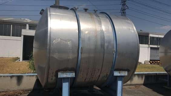 Tanque almacenamiento acero inoxidable capacidad 10,000 lts. horizontal