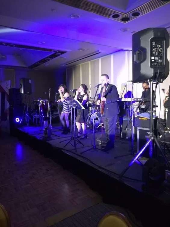 Grupo musical versátil para bodas, xv, bautizo, etc.
